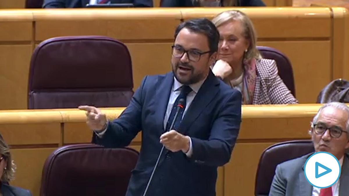 El senador del PP Asier Antona se dirige al vicepresidente Iglesias