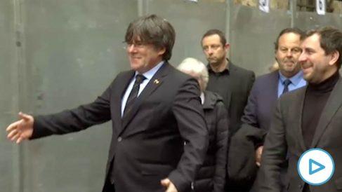 Puigdemont trata de frenar la crisis con el PDeCAT presentando una lista con él, Torra y Artur Mas de presidente efectivo