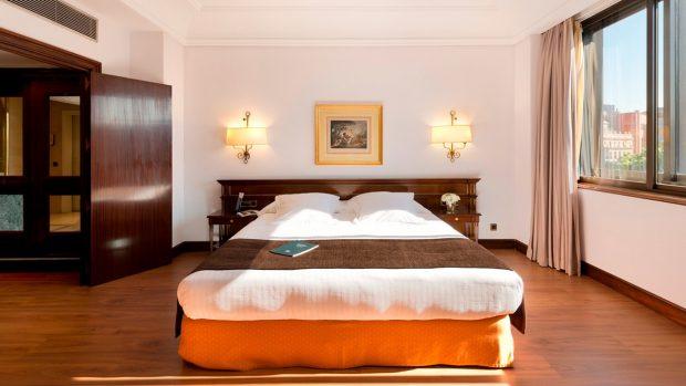 Una de las habitaciones del Hotel Miguel Ángel de Madrid, donde se aloja Álvaro García Linera.