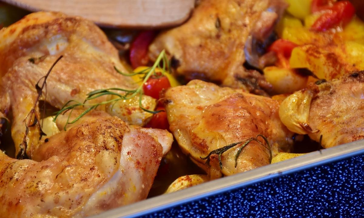 ¿Es saludable comer la piel del pollo?