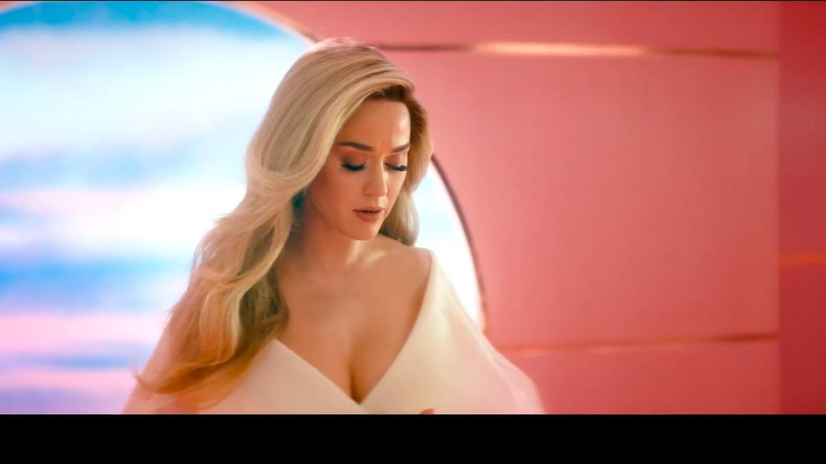 Katy Perry confirma su embarazo junto a Orlando Bloom