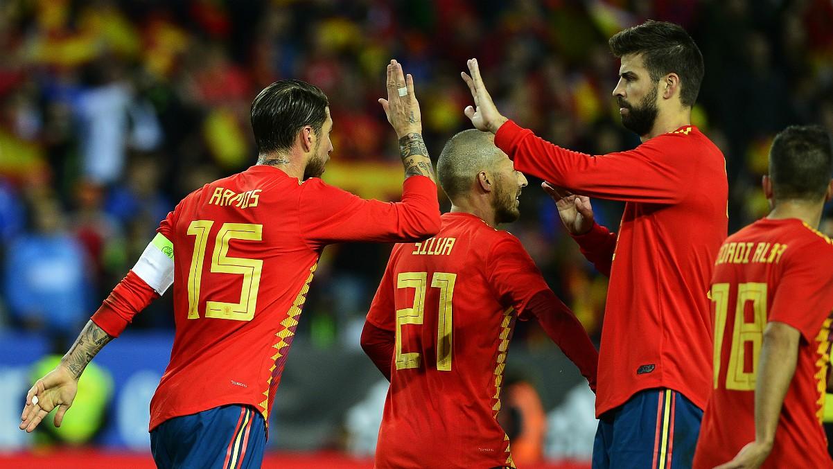 Ramos y Piqué, en la prelista para los Juegos Olímpicos. (AFP)