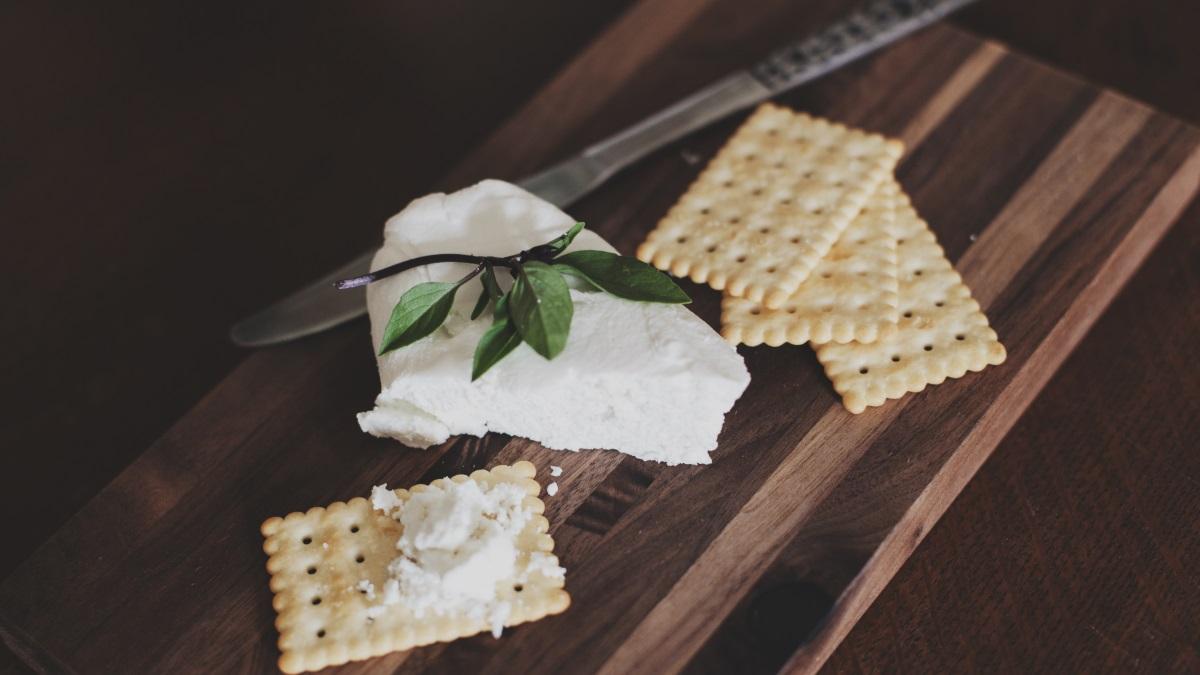 El queso fresco es uno de los tipos de queso más saludables