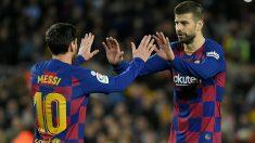 Gerard Piqué celebra el gol de Messi en el Barcelona-Real Sociedad. (AFP)