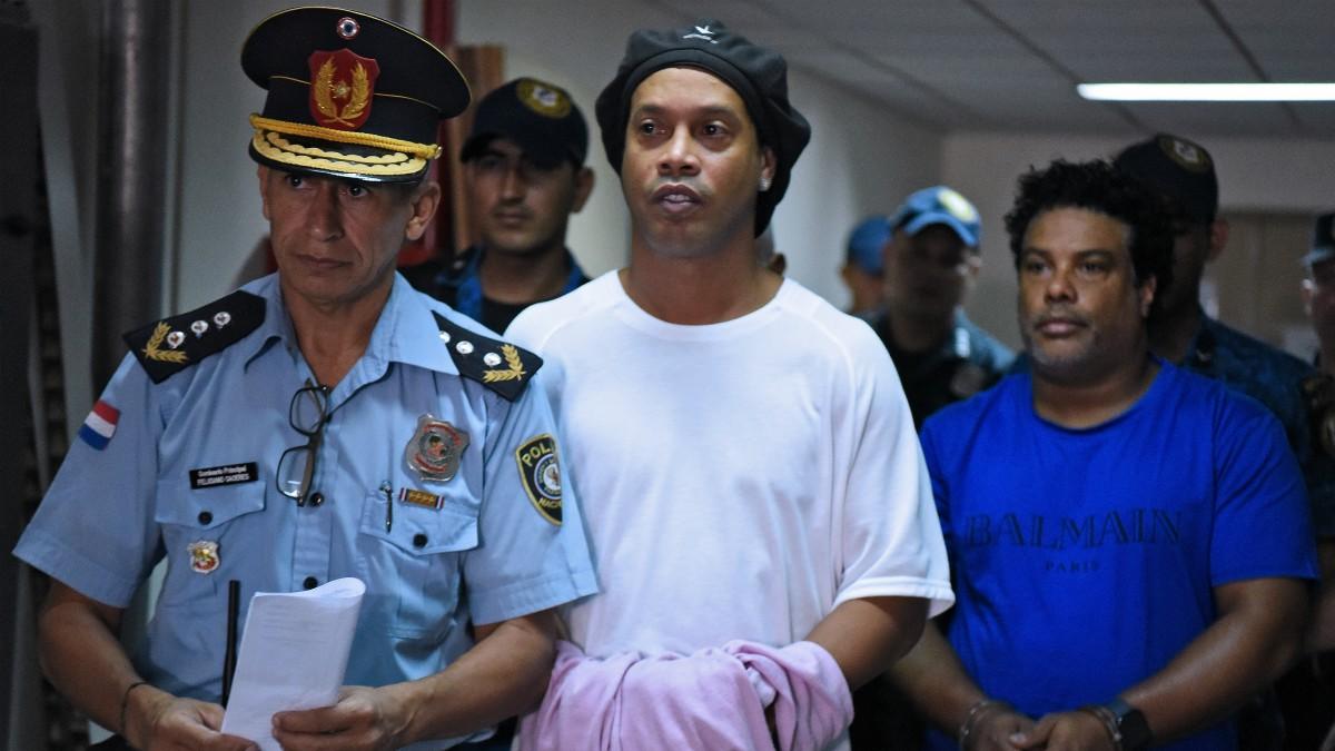 Ronaldinho, detenido junto a su hermano en Paraguay. (AFP)