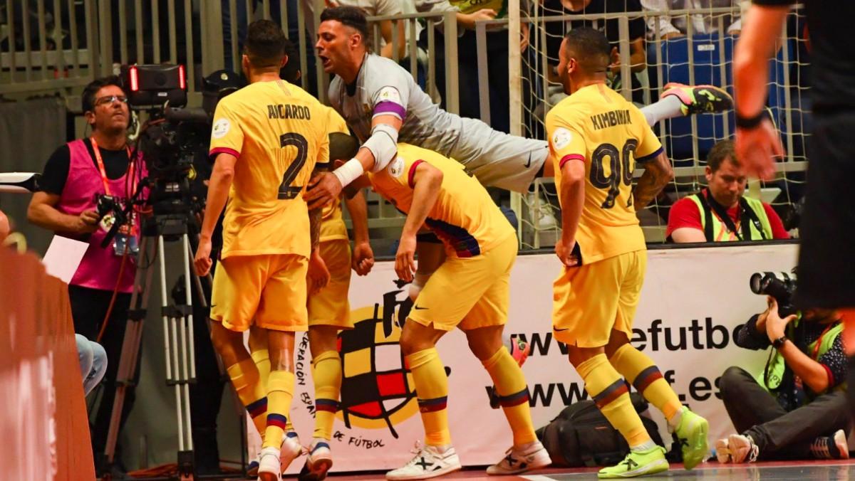 Los jugadores del Barça celebran un gol en la final. (FCBarcelona)