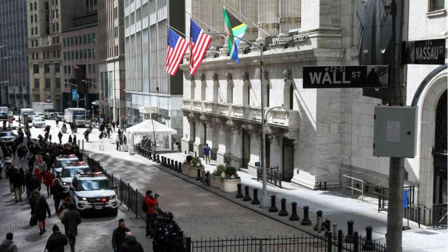 Wall Street abre con fuertes subidas tras la inesperada mejora del empleo en mayo