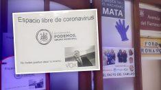 Carteles de Podemos en el Ayuntamiento de Córdoba para mofarse de Ortega Smith