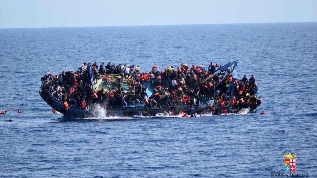 Una embarcación con inmigrantes. Foto: EP