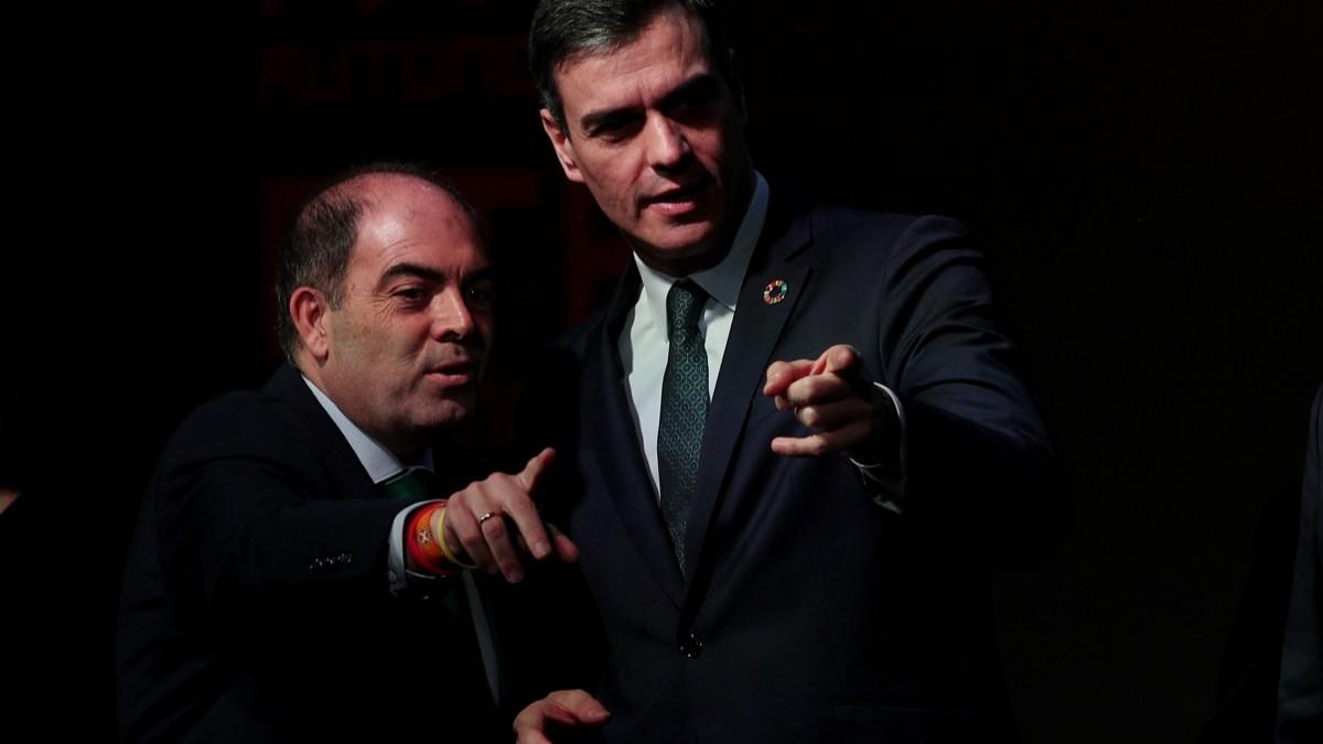 Pedro Sánchez, presidente del Gobierno, y Lorenzo Amor, presidente de ATA.
