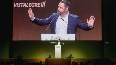 El presidente de Vox, Santiago Abascal, durante su intervención en el acto central de la Asamblea General Ordinaria del partido en el Palacio de Vistalegre. (Foto: Europa Press)
