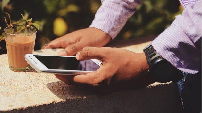 Coronavirus: consejos para limpiar el teléfono móvil