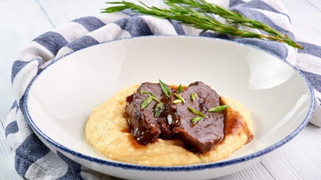 Receta de lomo ibérico con salsa de Pedro Ximénez y puré de patatas