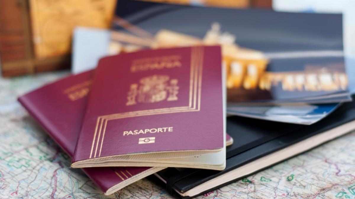 Los andaluces aprueban la idea de un pasaporte Covid.