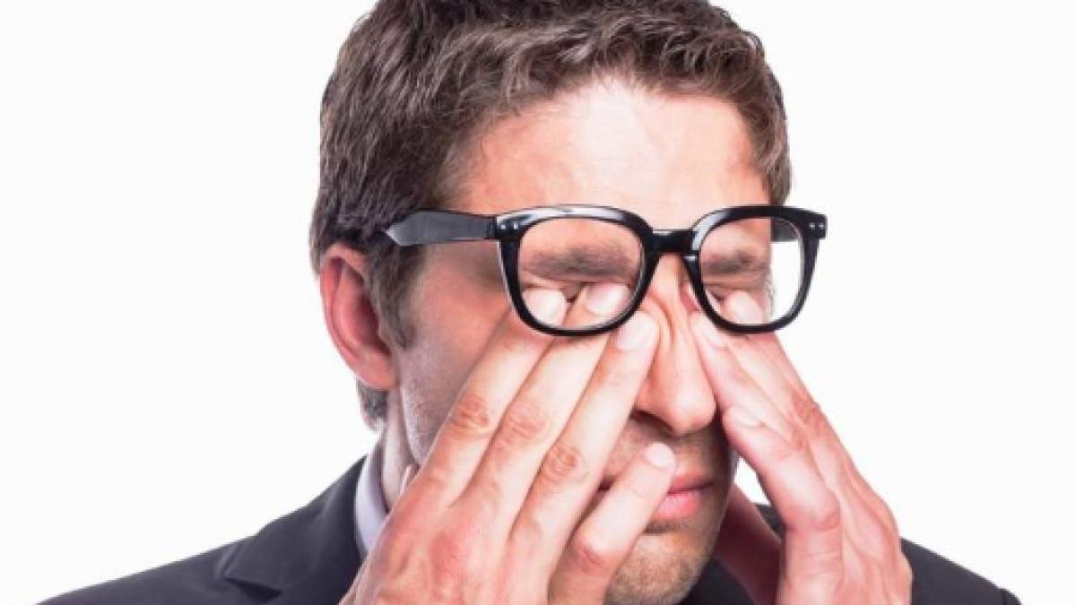 Trucos para no tocarse la cara y evitar el contagio del coronavirus