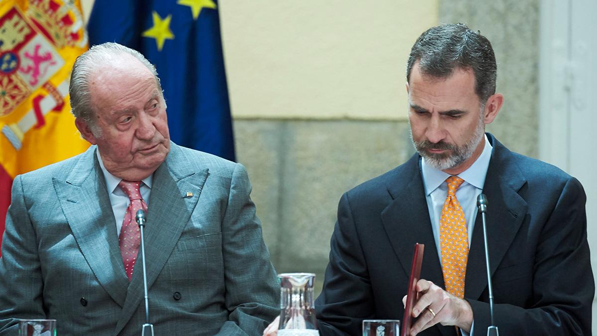 El Rey Felipe VI junto a su padre, el Rey emérito Juan Carlos I.