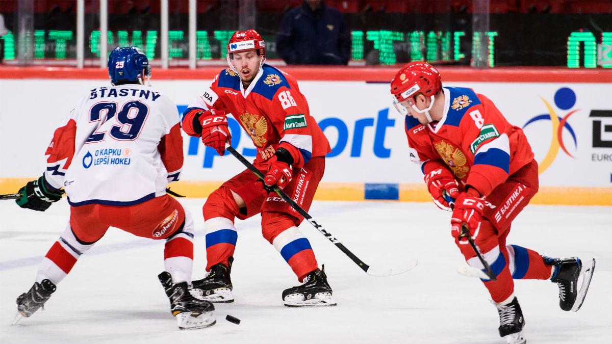 El hockey sobre hielo es uno de los deportes que se sigue disputando en parte de Europa (AFP).