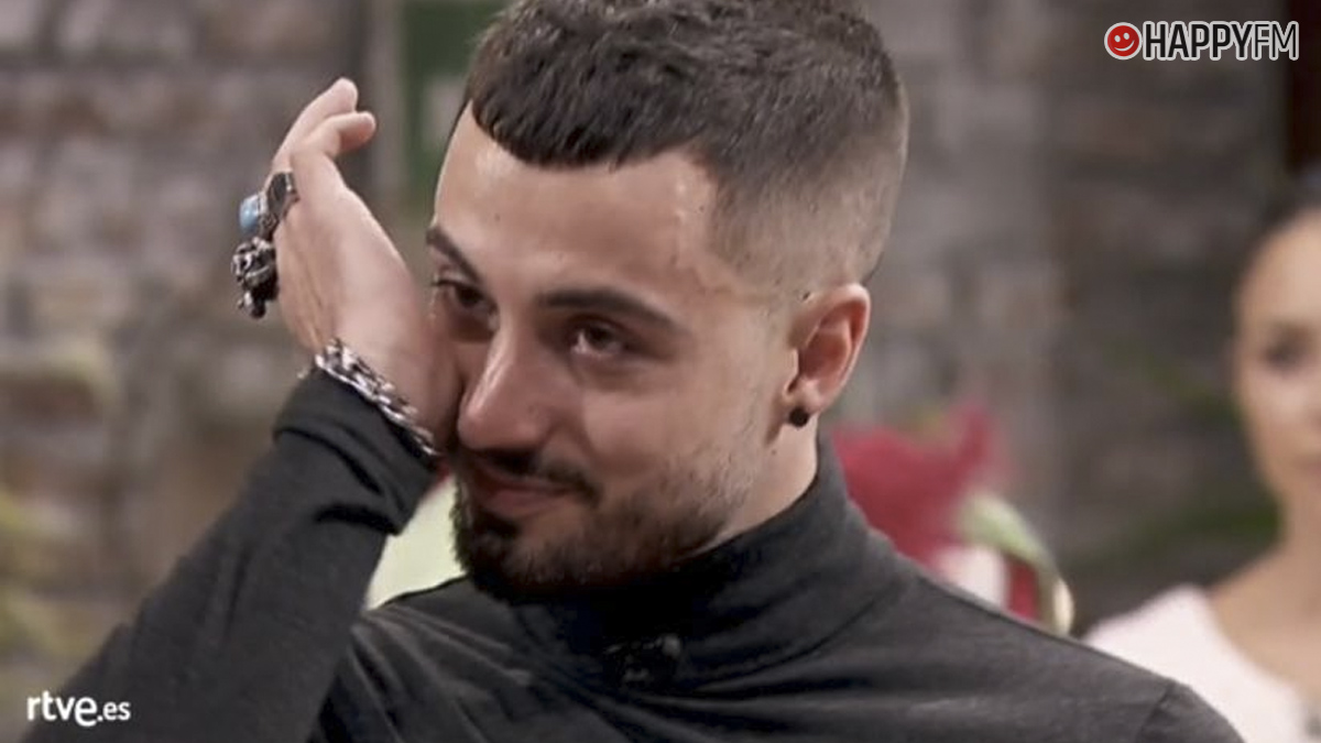 Joshua, entre lágrimas en Maestros de la costura
