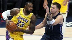 LeBron James y Luka Doncic, en un partido de la NBA.