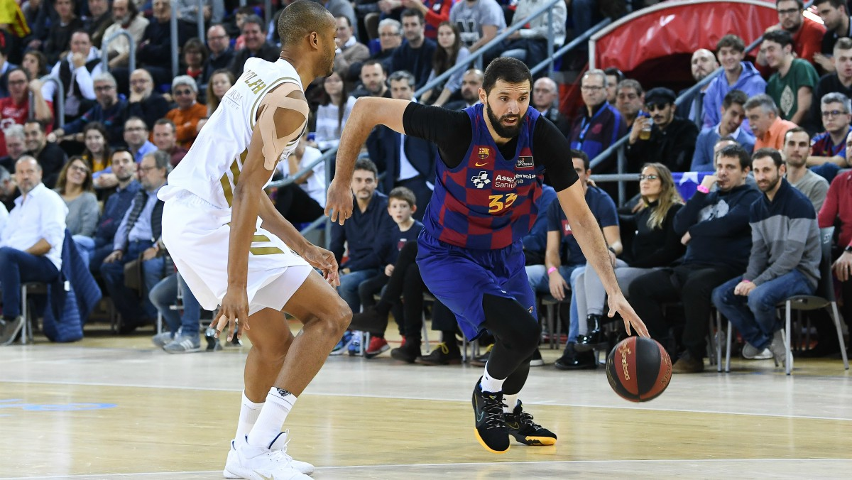 Randolph y Mirotic, en un Clásico de Liga Endesa. (ACB)