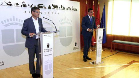 El alcalde de Alcobendas, Rafael Sánchez Acera, y el vicealcalde, Miguel Ángel Arranz. (Foto: Ayuntamiento)
