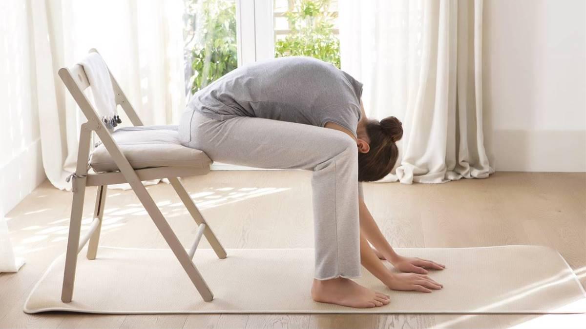 Los estiramientos son básicos para activar tu cuerpo al trabajar en casa
