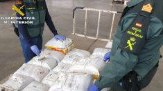 La Guardia Civil incauta 11.000 mascarillas quirúrgicas en el aeropuerto. (Foto: Europa Press)
