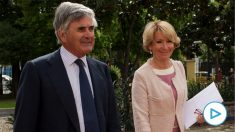 La pareja Fernando Ramírez de Haro Valdés y Esperanza Aguirre Gil de Biedma. (Foto: GETTY)