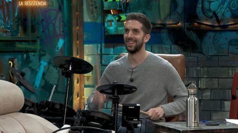 David Broncano toca la batería en 'La Resistencia'