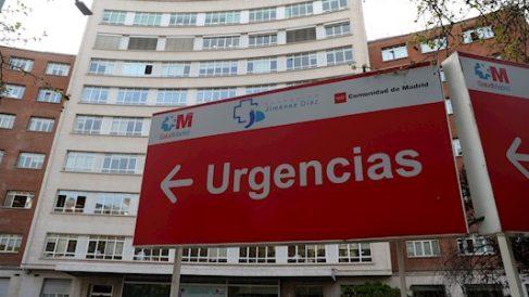 Exterior de la Fundación Jiménez Díaz, donde están ingresados enfermos por coronavirus. (Foto: EFE)