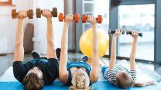 Conoce algunos de los mejores ejercicios para hacer en casa con los niños