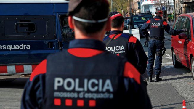 Los Mossos detienen a un religioso en Barcelona con pornografía infantil en su ordenador