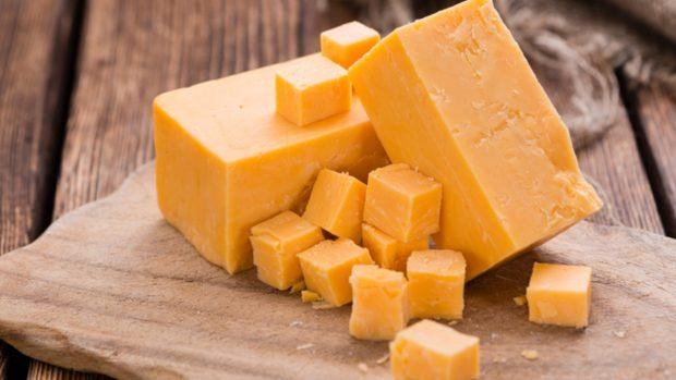 Recetas de confinamiento: Palomitas de maíz con bacon y queso