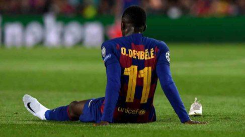 Ousmane Dembélé, del Barcelona, cae lesionado nuevamente. (AFP)