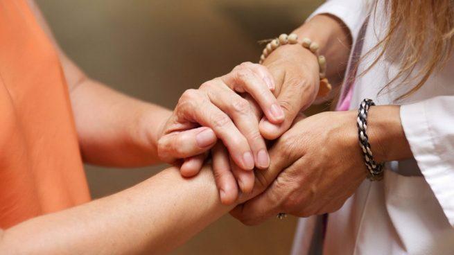 """Fundación """"la Caixa"""" moviliza a 230 profesionales de atención psicosocial para afectados por el COVID-19"""