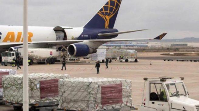 Aterriza en Zaragoza un avión fletado por Inditex con el material sanitario donado para hacer frente al coronavirus