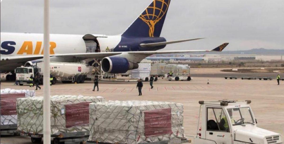 Avión con material sanitario exportado por Inditex.