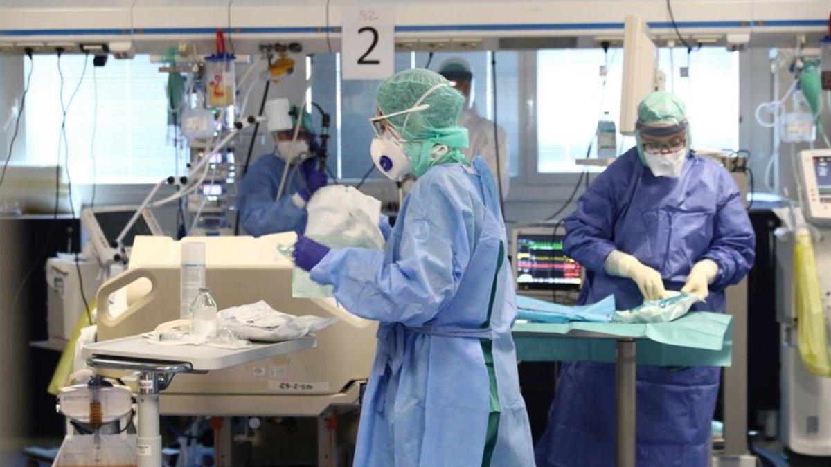 Una unidad de cuidados Intensivos en un hospital.