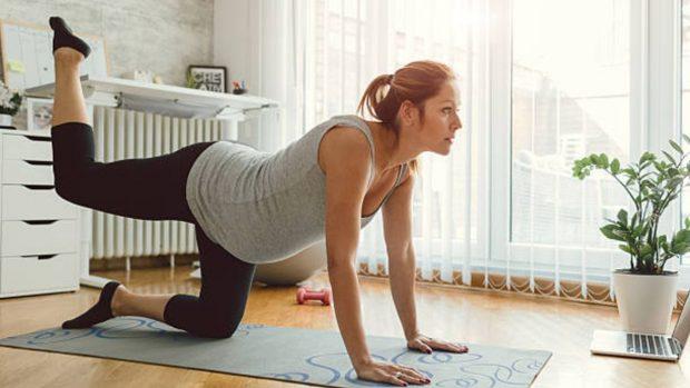 Cómo hacer ejercicio en casa durante el embarazo