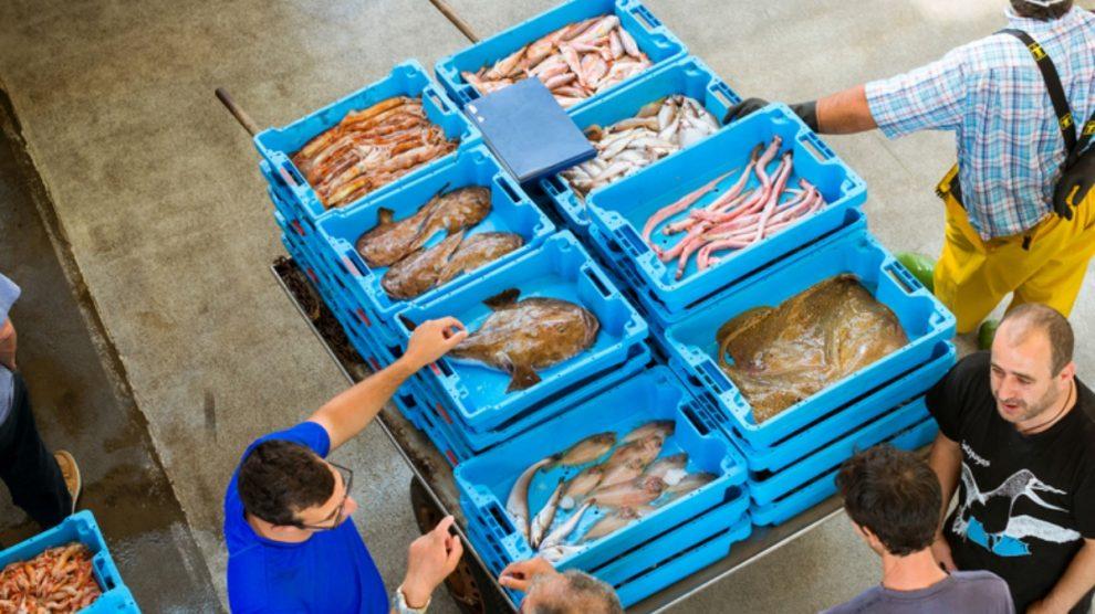 Coronavirus: Los Pescadores de Huelva realizarán la subasta de la lonja online