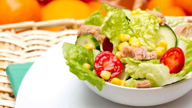 Ensalada de maíz con tomate y pepino