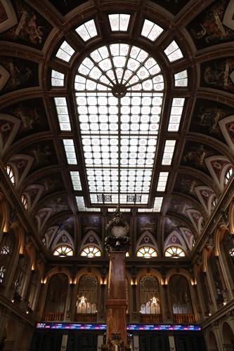 Interior del edificio de la Bolsa de Madrid en la jornada del día 28 de febrero. Foto: EP