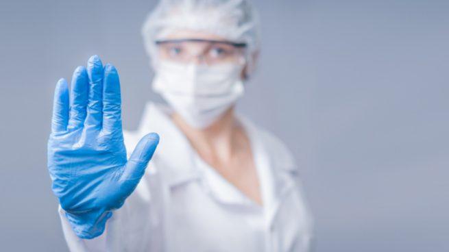Cómo usar mascarillas y guantes para que sean efectivas frente al coronavirus