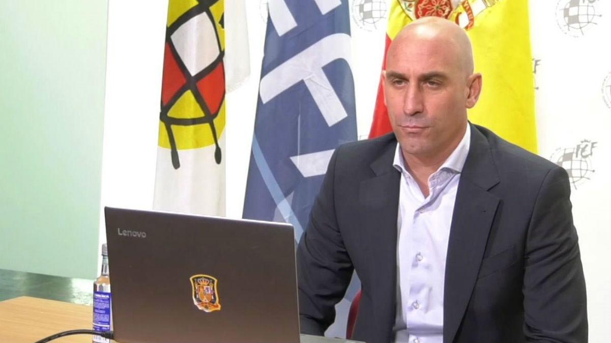 Luis Rubiales, en la reunión con los presidentes territoriales. (EFE)