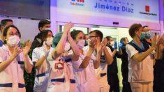 Personal sanitario en un hospital de Madrid en plena crisis del coronavirus. (Foto: EP)