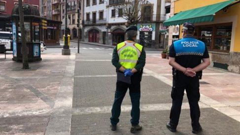 La Policía en Oviedo. (FOTO: EP.)