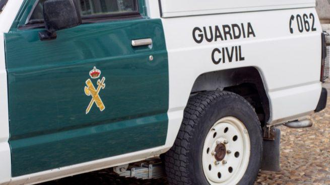 Detienen a tres hombres en Sevilla tras una persecución que acaba en un aparatoso accidente