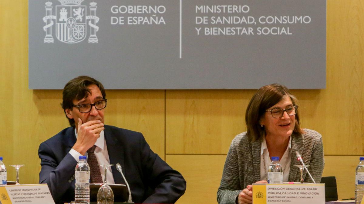 El ministro Salvador Illa y la directora de Salud Pública, Pilar Aparicio. (Foto: EP)