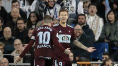 Smolov celebra un gol con Iago Aspas (Getty).