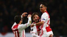 Nouri celebra un gol con el Ajax. (Getty)